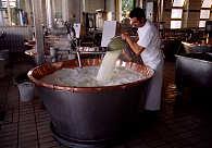 Lavorazione Parmigiano Reggiano